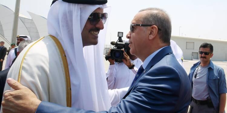 L'émir du Qatar se rend en Turquie en soutien à Erdogan