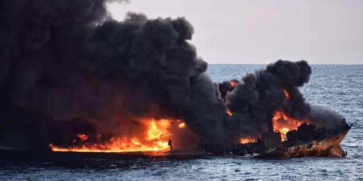 Chine: menace de catastrophe écologique après le naufrage d'un pétrolier