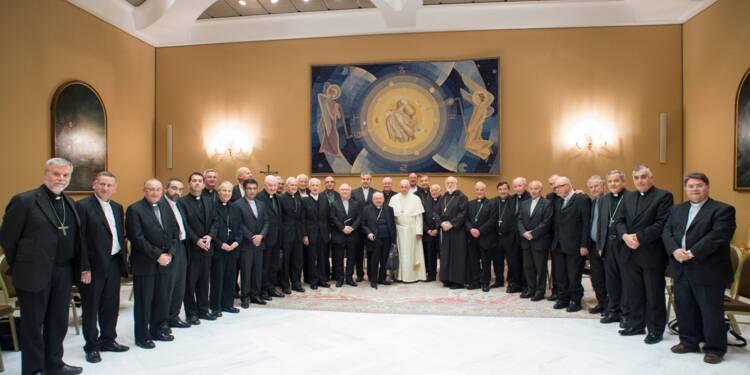 """Pédophilie: le pape annonce des """"changements"""" au sein de l'Eglise chilienne"""