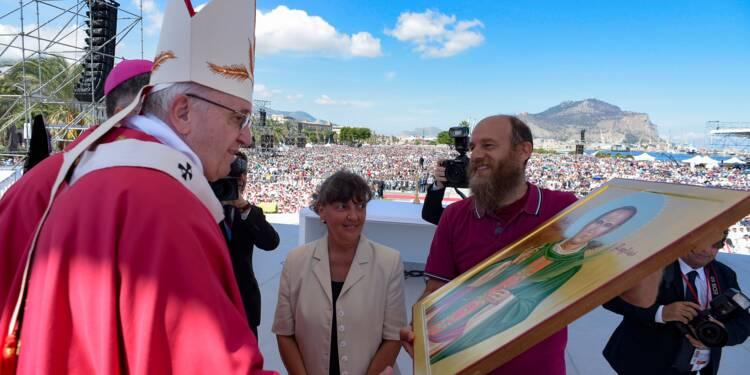 A Palerme, le pape honore un prêtre assassiné par une mafia non chrétienne