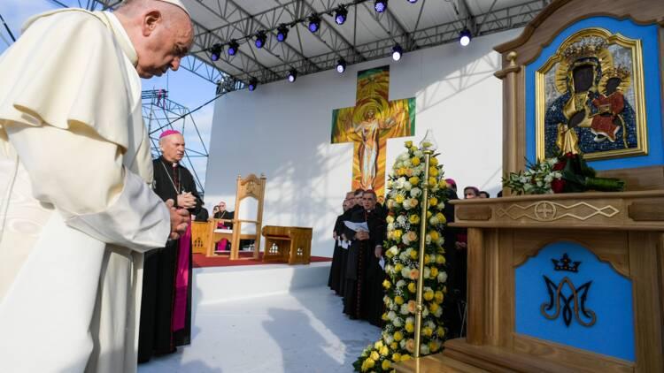 """En attendant le Pape, les Roms rêvent d'une Roumanie """"sans discrimination"""""""