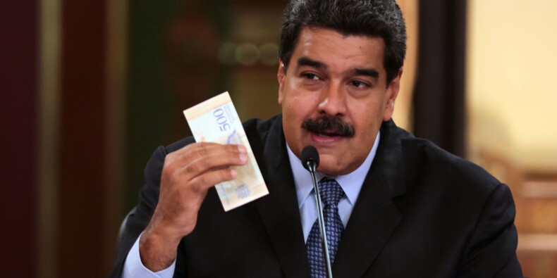 """Le Venezuela étrenne ses nouveaux billets, le patronat craint l'""""instabilité"""""""
