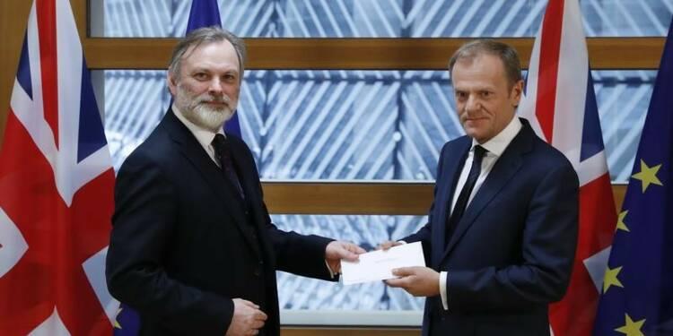 Donald Tusk a reçu la lettre de Theresa May enclenchant le Brexit