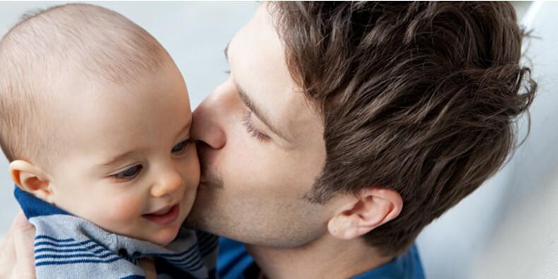 Un rapport préconise d'allonger le congé paternité
