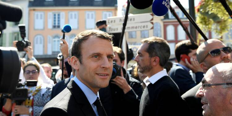 Quarante économistes soutiennent Emmanuel Macron