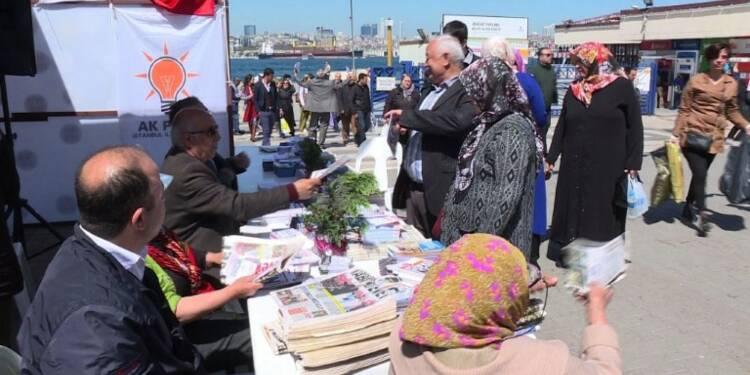Turquie: à trois jours du référendum, la campagne bat son plein
