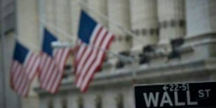 Wall Street achève en légère baisse une séance agitée