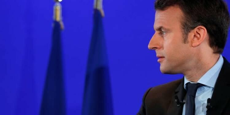 Terrorisme: Macron veut faire plier les grands groupes internet
