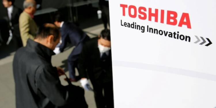 Toshiba veut publier ses comptes mardi, sans l'aval des auditeurs