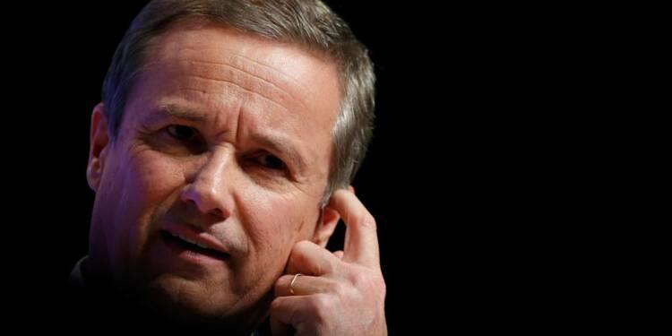 Dupont-Aignan dénonce des pressions de l'équipe de Fillon
