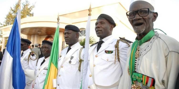 Hollande va naturaliser 28 anciens tirailleurs sénégalais