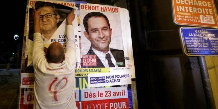 Distancé, Hamon cible Macron, Mélenchon et le PS