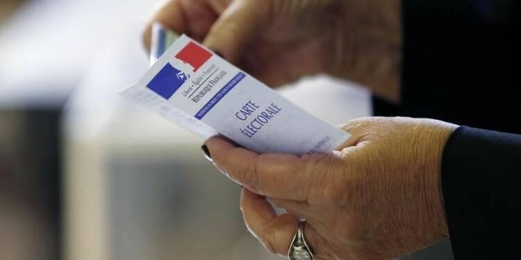 Beauvau écarte un risque de fraude lié aux doubles cartes électorales