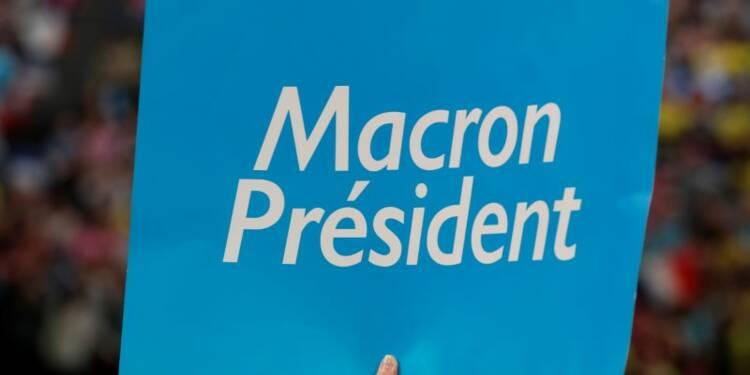 """Macron lance sa """"génération"""" à l'assaut du pouvoir"""