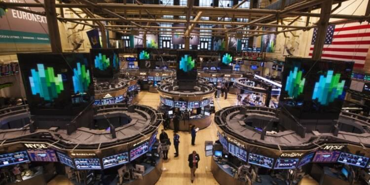 La Bourse de New York finit en hausse de quelque 0,9%