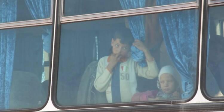 Syrie: l'évacuation de localités assiégées reprend