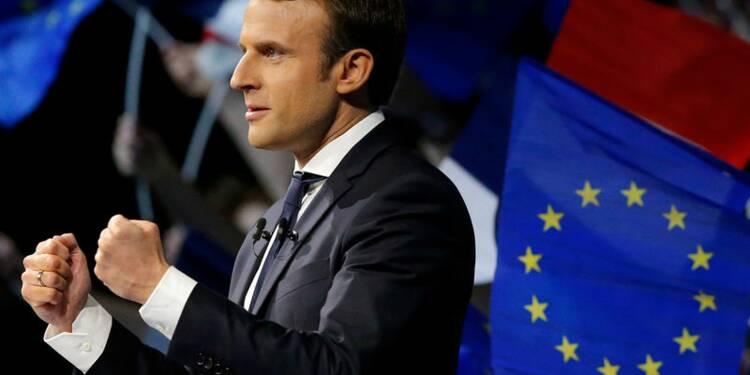 Macron toujours en tête devant Le Pen, selon un sondage OpinionWay
