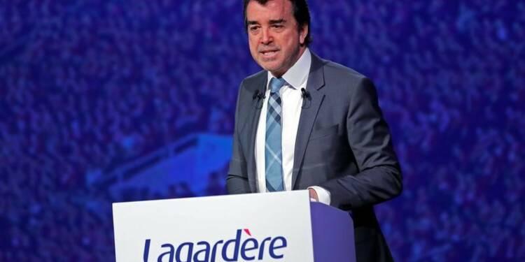A. Lagardère va prendre en direct la présidence d'Europe 1
