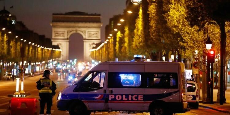 Probable acte terroriste sur les Champs-Elysées
