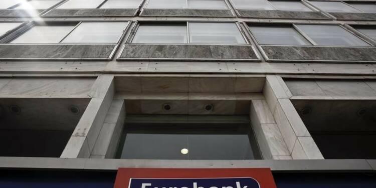 Un engin explosif endommage des bureaux d'Eurobank à Athènes