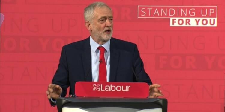 Jeremy Corbyn joue la carte de l'anti-establishment