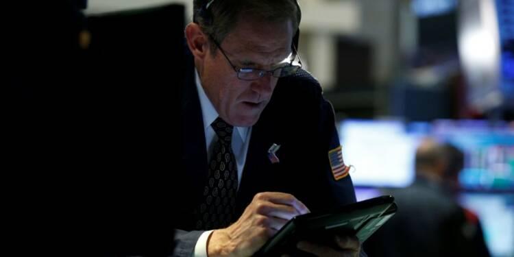 IBM met Dow et S&P dans le rouge; le Nasdaq résiste