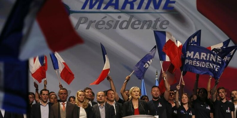 Fin de campagne aux sources du FN pour Marine Le Pen