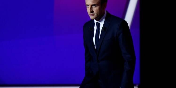"""Macron appelle les Français à ne pas """"céder à la peur"""""""