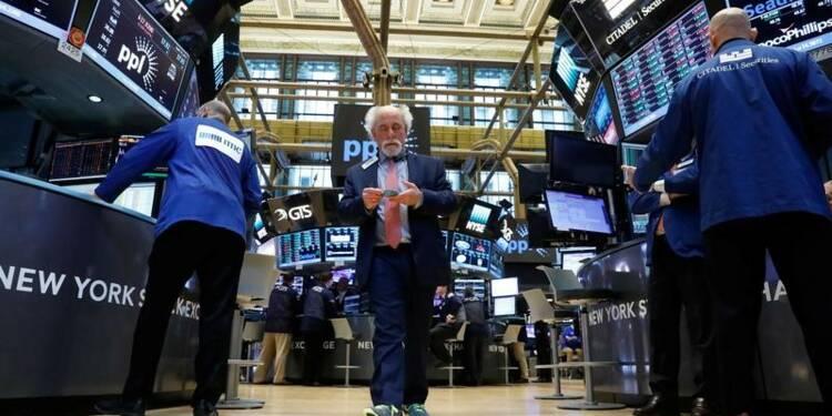 Wall Street en baisse avec le risque français, Mattel a pesé