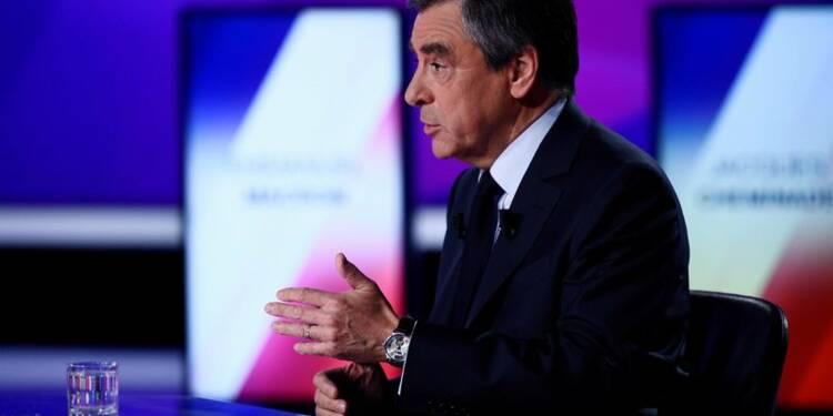 La campagne électorale doit être suspendue, dit Fillon