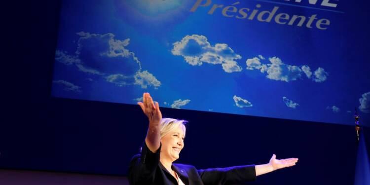 "Le Pen se pose en garante d'une ""alternance fondamentale"""