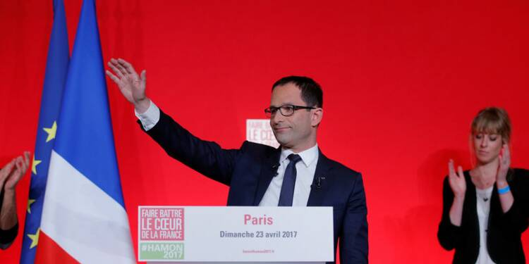 Battu, Hamon appelle à battre le Front national en votant Macron