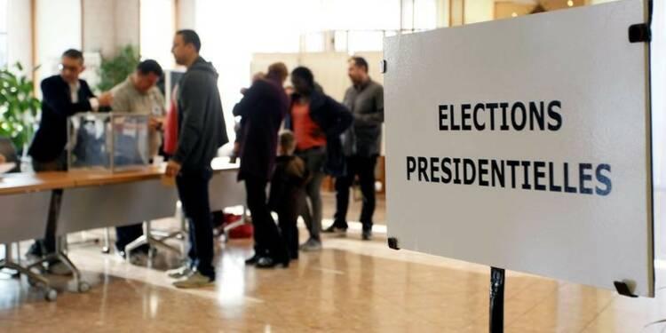 Les électeurs aux urnes pour un premier tour à suspense