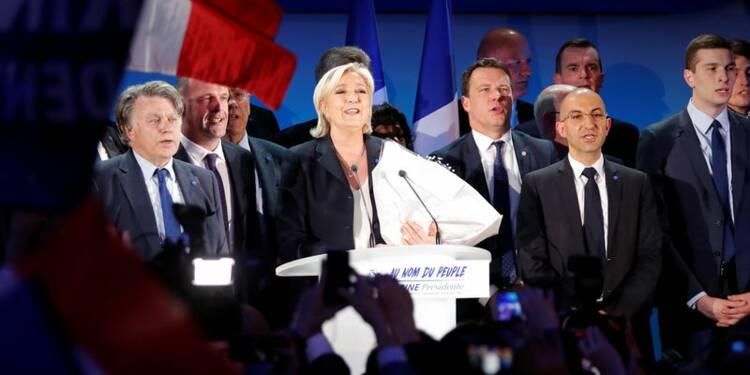 """Le Pen à l'épreuve du """"plafond de verre"""""""