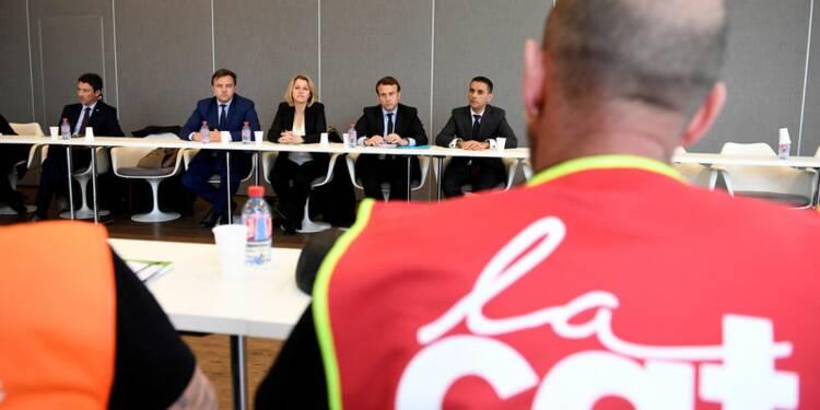 """Macron dénonce une """"utilisation"""" de Whirlpool par Le Pen"""