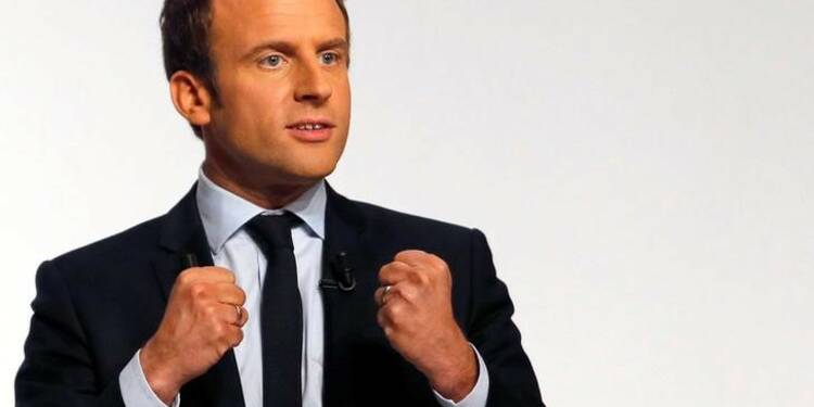 Pour Emmanuel Macron, la tripartition des forces politiques, c'est maintenant