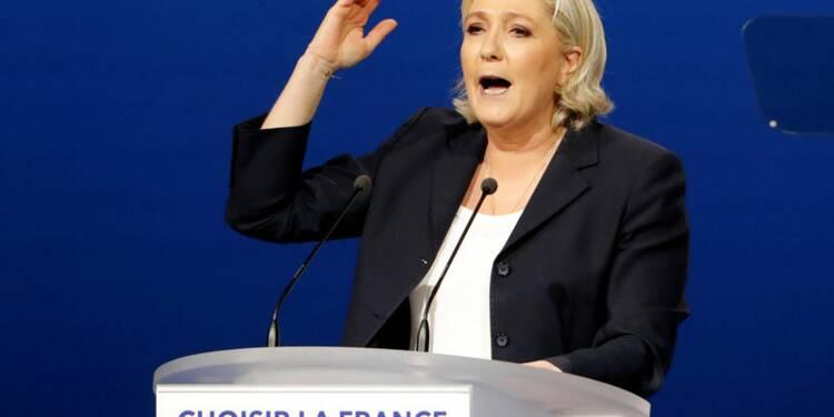 Marine Le Pen a la dent dure pour Emmanuel Macron, à Villepinte