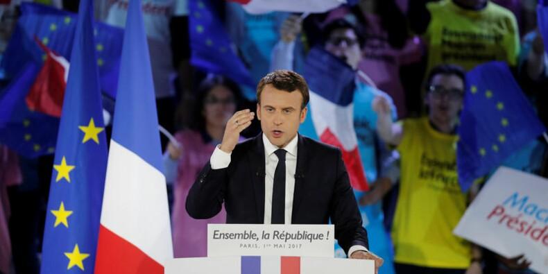 """Macron veut aller """"plus loin"""" contre le dumping et l'évasion fiscale"""