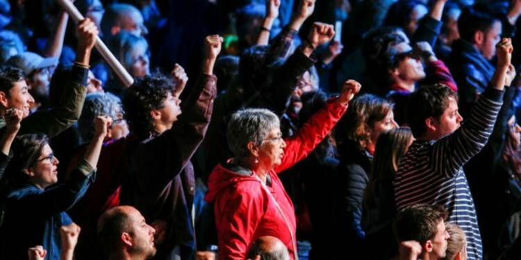 """Près de deux tiers des """"insoumis"""" refusent de voter Macron"""
