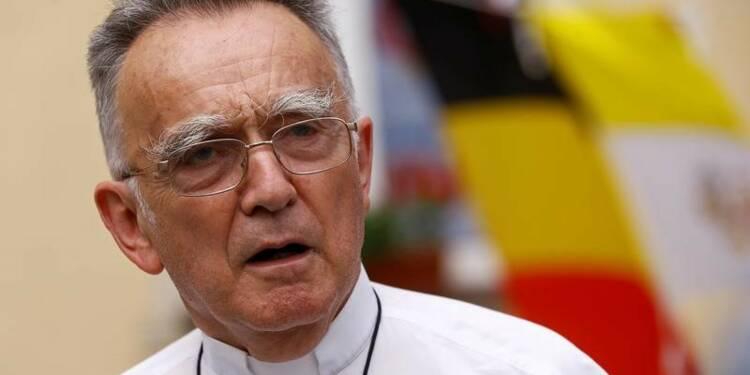 Rpt-L'Eglise répond aux critiques sur sa discrétion face au FN