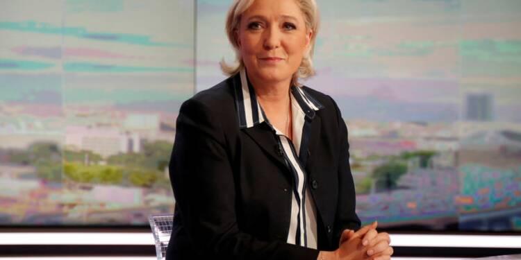 Le Pen dissoudrait l'Assemblée si elle n'a pas de majorité