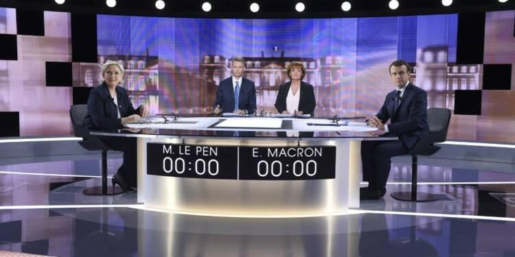 Le Pen et Macron mettent en scène l'opposition sur les retraites