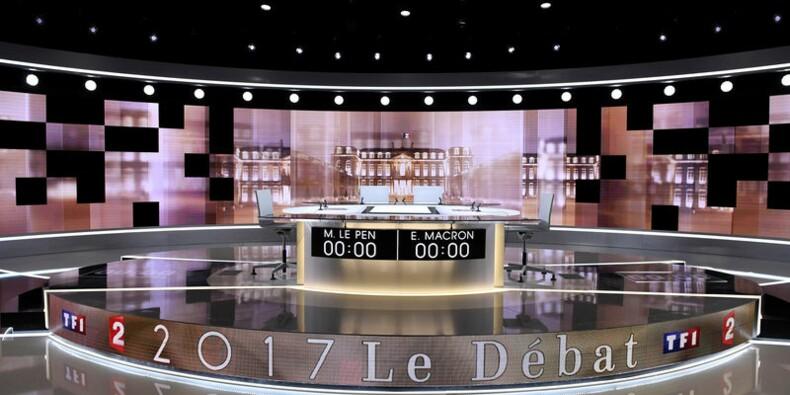 Le débat présidentiel à couteaux tirés se poursuit dans les médias