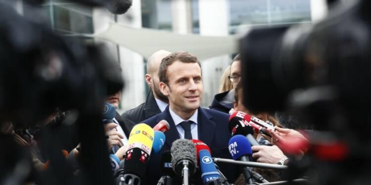 Macron juste derrière Le Pen au 1er tour, selon un sondage Ipsos SopraSteria