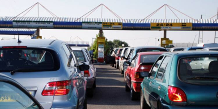 La chute des cours de l'or noir profite aux automobilistes