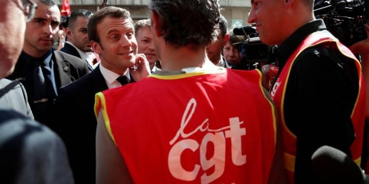 Macron défend son projet de réforme du code du travail à Albi