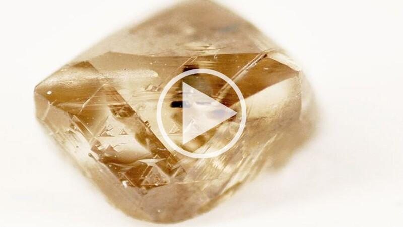 L'un des plus gros diamants du monde découvert en Sierra Leone