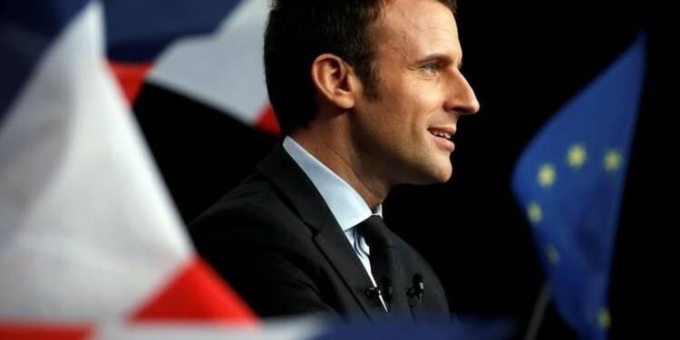 Macron toujours en tête dans un sondage Odoxa