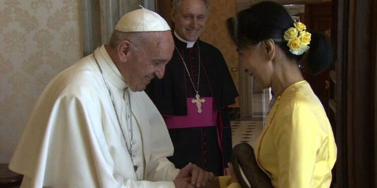 Aung San Suu Kyi rencontre le pape François au Vatican