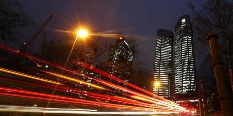 Le chinois HNA veut augmenter sa part dans Deutsche Bank, selon des sources